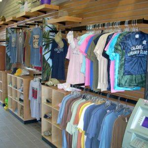 shirts-gift-shop-display