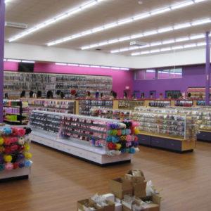 four-store-isle-displays